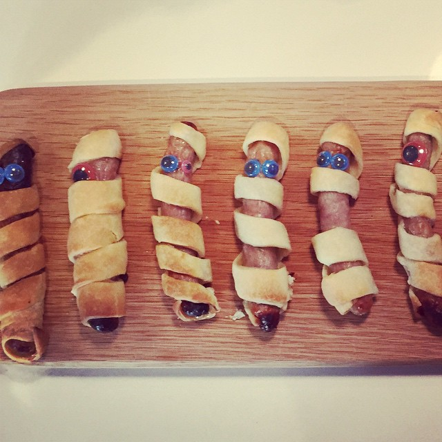 This is the food at the halloween party we're at - sausage roll mummies #halloweenfood #littlespree