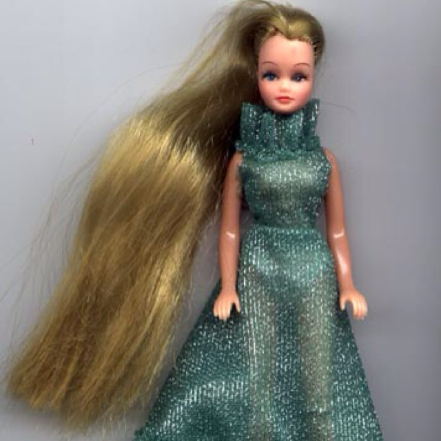 Anyone else remember Pippa dolls? The petite predecessor to Sindy... #pippa #dolls #littlespree
