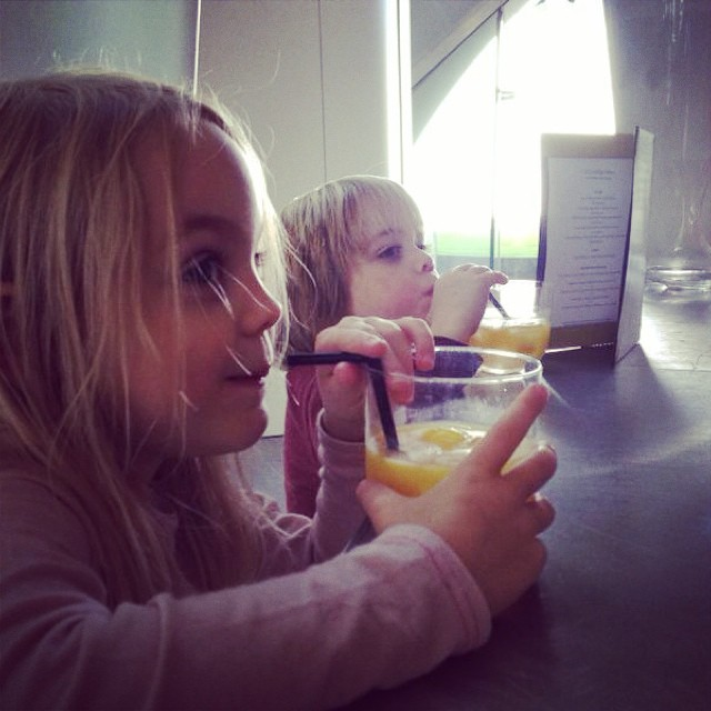 Orange juice pit-stop at the serpentine sackler gallery yesterday with daddy #serpentine #cultureday #zahahadid #littlespree