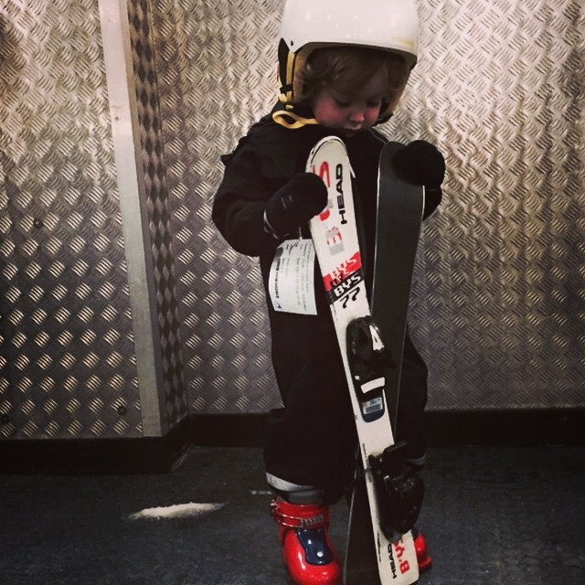 What do I do with these??? First ski lesson #littlespree #thesnowcentre #snowbabes #ski