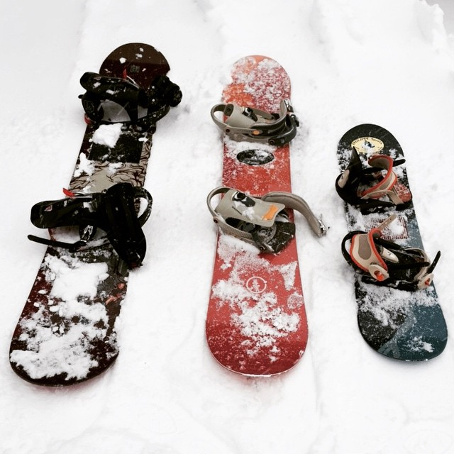 Mummy, daddy and baby #snowboards in #lesgets #france #family #fun #snow #kidssnowboarding #littlespree