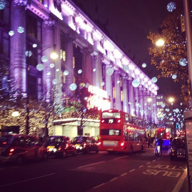 Blurry but pretty... #oxfordstreet #prettyblury #littlespree #christmas