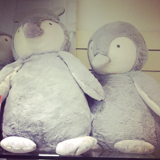 The softest, plushest, cuddliest penquins... @thewhitecompany @fenwickbondst #littlespree