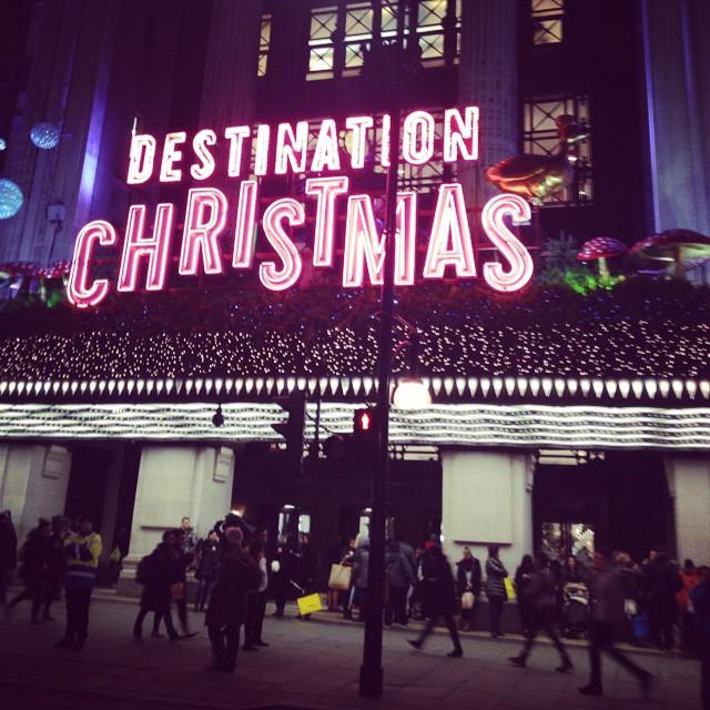 Destination: Christmas @theofficialselfridges @selfridgesuk #christmas #christmasshopping #littlespree