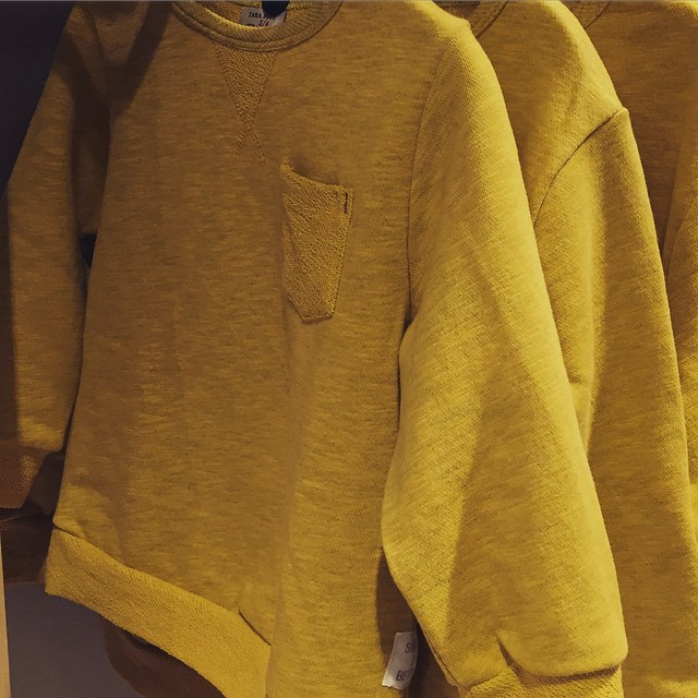 Love the colour of this @zara_worldwide boys sweatshirt #littlespree #sweatshirts #zarakids