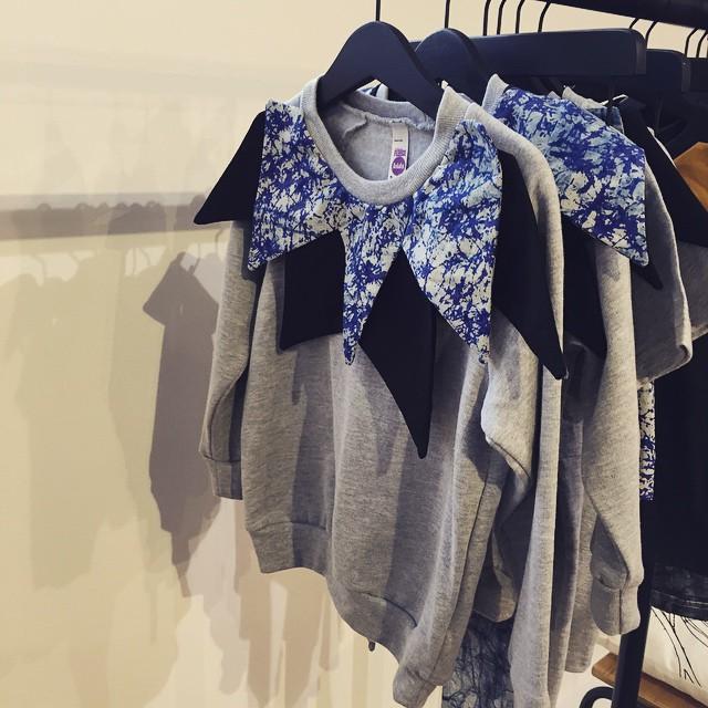 'pretty cool' girls sweatshirt ?? @dottodotlondon #bettyyoungdouble #littlespreefavourites  #littlespree
