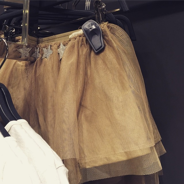 Love this khaki tutu in @zara_worldwide kids. #littlespree #girlybutnottoogirly #prettycool