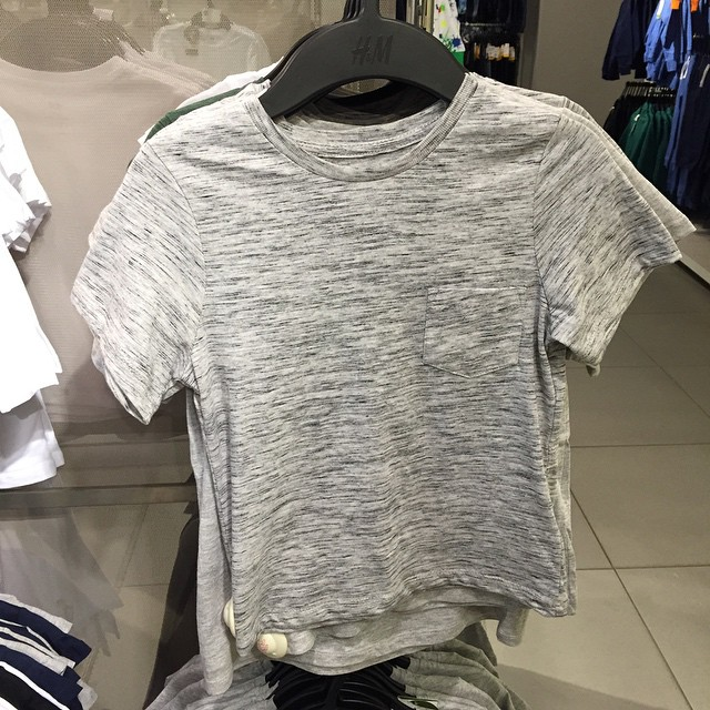 The perfect boys slub cotton tee in @handmfashion #boystshirts #littlespree #thinkmarlowhadthislastyear