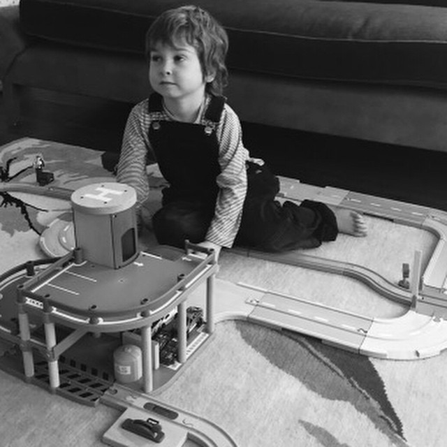 Bailey + Brio = Everyone's Happy #welovebrio #littlespree #brio #traintrack #fun