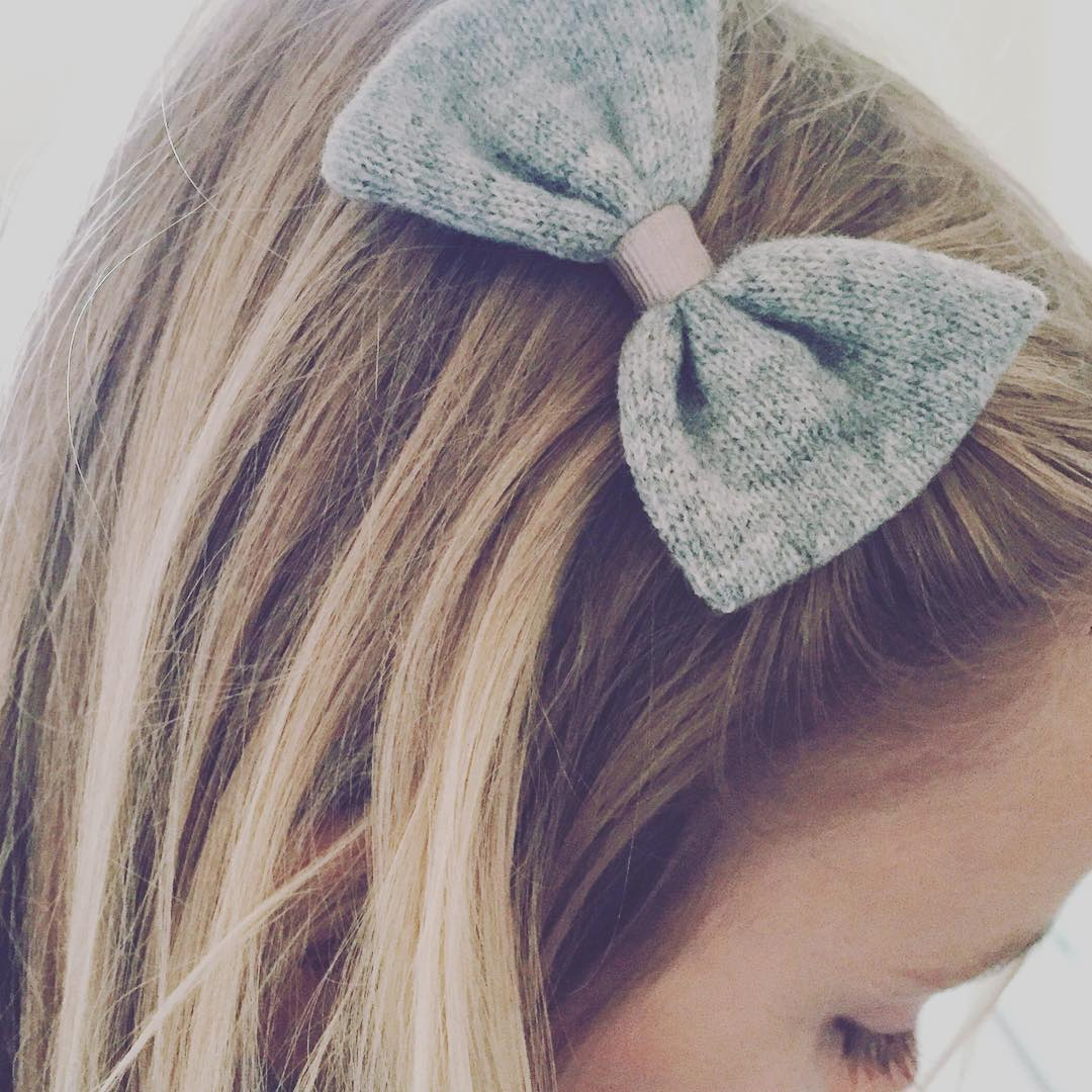 Im in grey cashmere bow heaven!! Such a brilliantly simplehellip